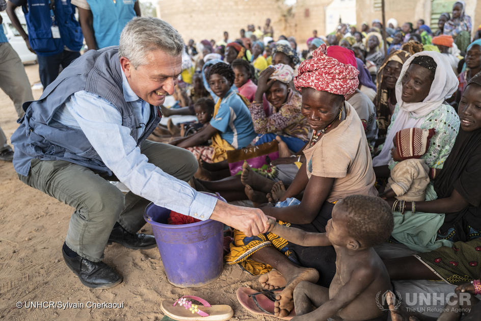 UN High Commissioner for Refugees Filippo Grandi meets internally displaced Burkinabe in the town of Kaya in Burkina Faso's Centre-North region. ; In Burkina Faso, hundreds of thousands of people have fled violence that continues to spread unabated, a displacement crisis which the UN High Commissioner for Refugees describes as a humanitarian emergency. In the town of Kaya, in the country's Centre-North region, hundreds of thousands of internally displaced people have found refuge. In early-February 2020, the High Commissioner visited displaced Burkinabe living with host communities, during a three-country mission to the Sahel region that also took in Niger and Mauritania.
