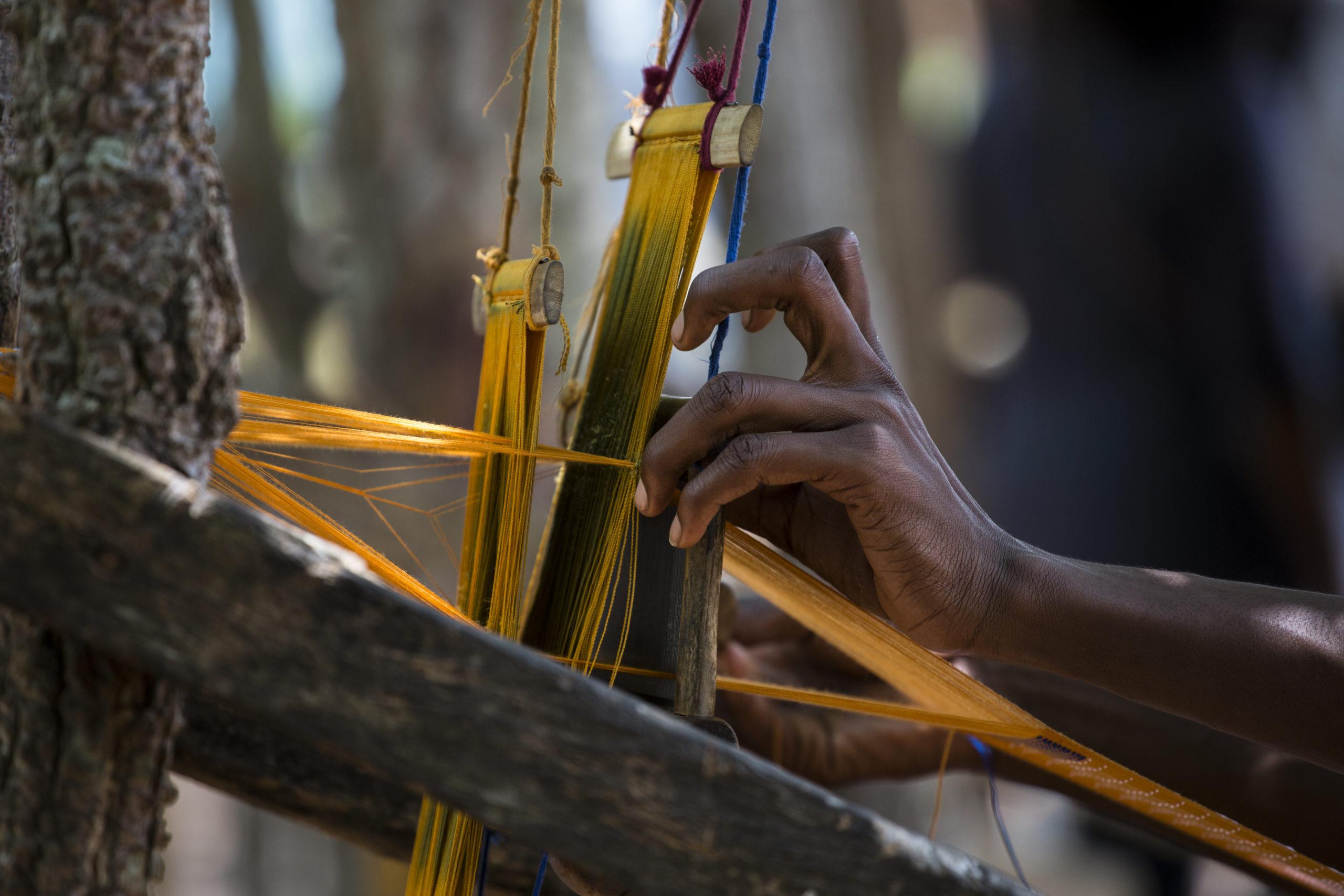 Ikat weaving in EFI partner Artisan Cooperative in Côte d'Ivoire. © Magic Studios