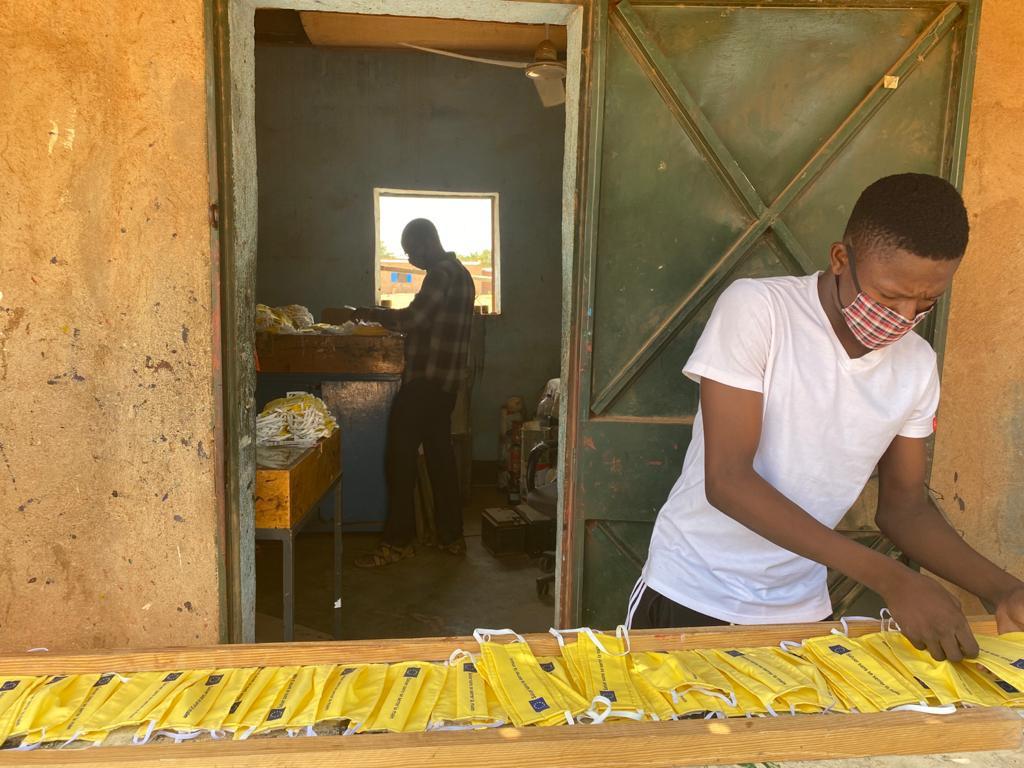 Mask production in Burkina Faso. © Oceane Joncoux