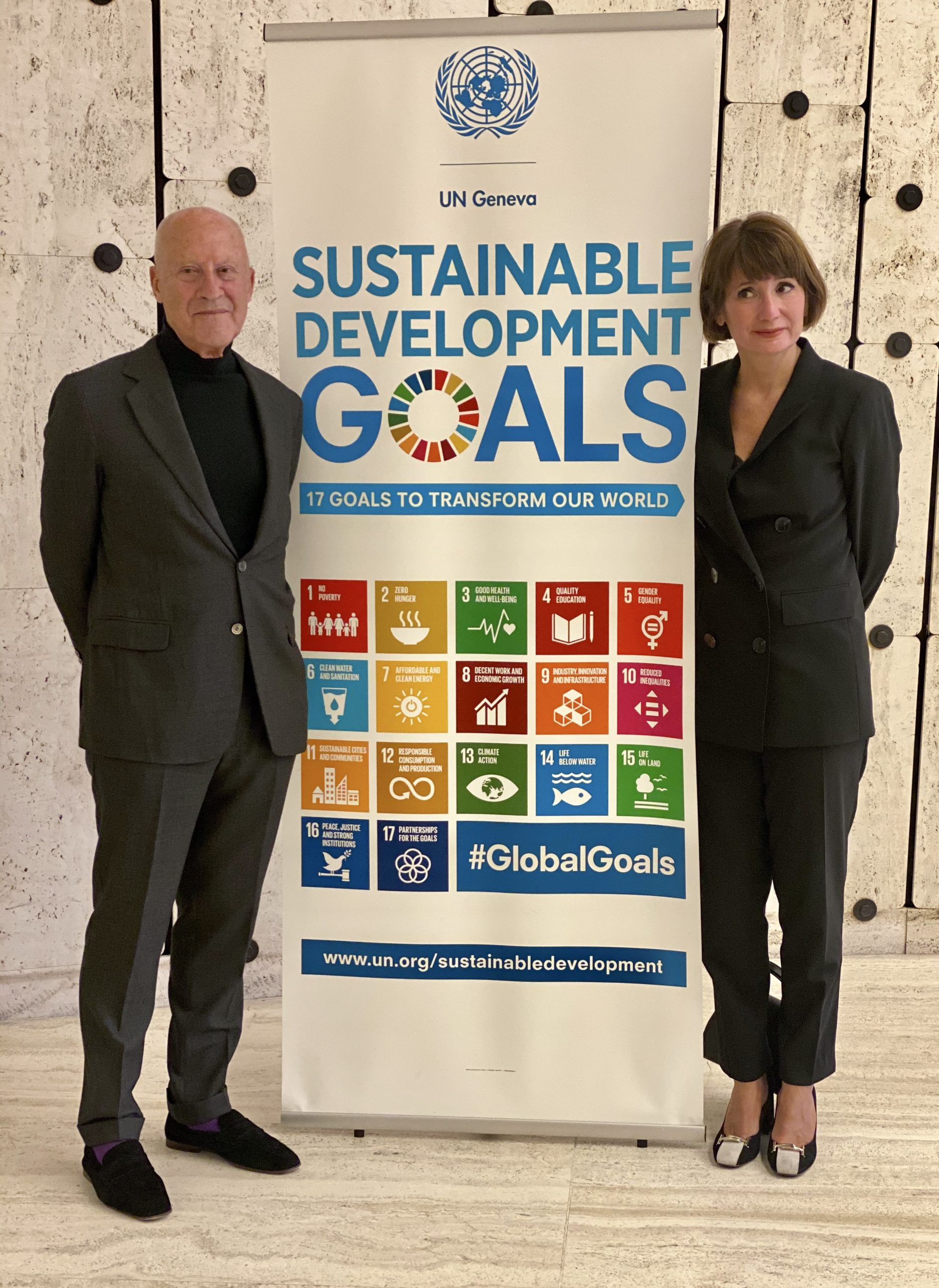 Caption: Lord Foster with Paola Deda during the Forum of Mayors 2020. Palais des Nations, October 6, 2020. © Paola Deda